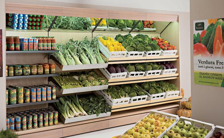 Arredamneto per negozio di alimentari e enoteca olbia for Arredamento fast food