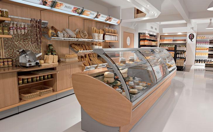 Arredamneto per negozio di alimentari e enoteca olbia for Arredamento per salumeria