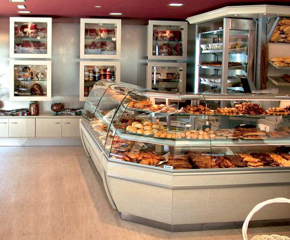 Arredamneto per negozio di alimentari e enoteca olbia for Arredamento panetteria