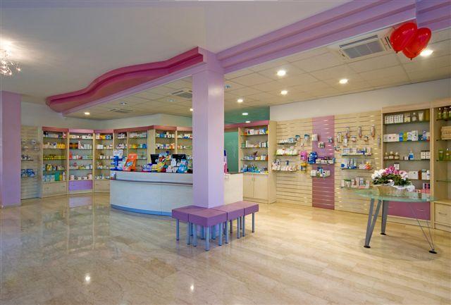 Arredamento negozi arredo negozi sardegna olbia for Negozi arredamento rimini